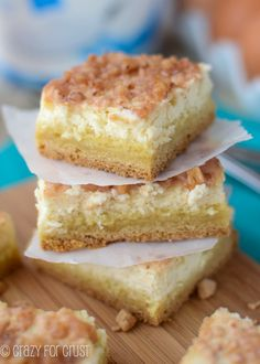 """Creme Brulee Cheesecake Bars: """"These are SO good. The cheesecake is creamy and perfect. Paired with the cookie base and toffee crunch, these are one of my new favorites!"""" - Crazy for Crust Creme Brulee Cheesecake Bars, Cheesecake Recipes, Dessert Recipes, Oreo Cheesecake, Bar Recipes, Just Desserts, Delicious Desserts, Yummy Food, Dessert Healthy"""
