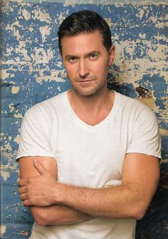 Updated photo of my favorite male actor, Richard Armitage.