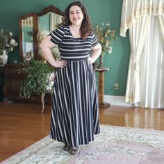 LuLaRoe Riley | Spring is right around the corner here in Wisconsin, so it feels like everyone is reaching for dresses. After bundling up all winter, a fun and flirty dress just feels right. So, LuLaRoe decided to release a new dress. How timely, right? Well, I was able to get my hands on a few of the new dress, called the Riley. Since they're here, it's only appropriate to write my honest LuLaRoe Riley review. Let's get to it!