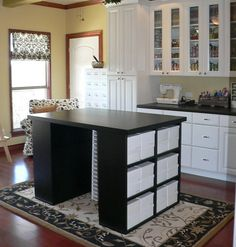 Wish I had this craft room! Organized Craft Room Ideas : Page 02 : Rooms : Home & Garden Television Sewing Room Storage, Craft Room Storage, Sewing Rooms, Craft Organization, Craft Rooms, Craft Desk, Storage Ideas, Sewing Spaces, Storage Cubes