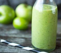 2 glass  1 moden avokado 1 lime 1–2 kiwi 2 dl eplejuice 1 god håndfull  ferdig vasket babyspinat