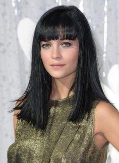 Stile  Cleopatra   frangia  hairstyles  haircut  longhair Tagli Di Capelli  Lunghi 6c6e83fed8b5