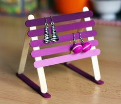 Craft Sticks or Popsicle Sticks are incredibly versatile! So bring them all out to make some fun and easy Mother's Day Crafts for Mom! Lolly Stick Craft, Popsicle Stick Crafts For Adults, Popsicle Stick Art, Popsicle Crafts, Craft Stick Crafts, Craft Sticks, Craft Ideas, Easy Mother's Day Crafts, Mothers Day Crafts
