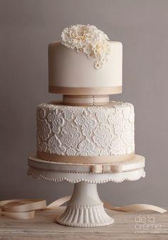 Wedding cake idea; Featured Cake: De la Creme Studio