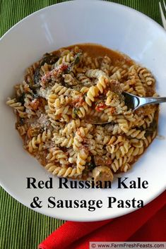 Red Russian kale and turkey sausage flavor a tomato cream sauce in this kid-friendly pasta. Kale Recipes, Pork Recipes, Vegetarian Recipes, Healthy Recipes, Curry Recipes, Healthy Food, Healthy Eating, Yummy Food, Corona