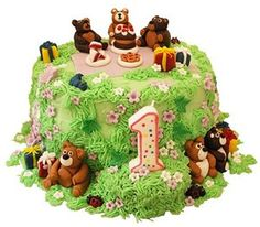 gorgeous teddy bear picnic cake