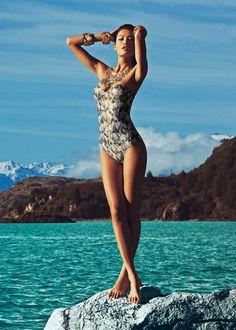 Lua Morena. #beachwear #fashion #travel