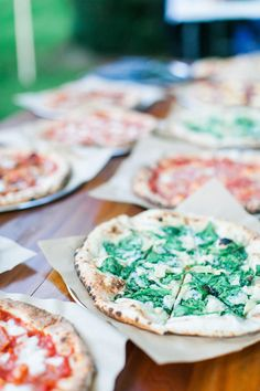 Everyone loves pizza. Try serving it at your summer wedding!