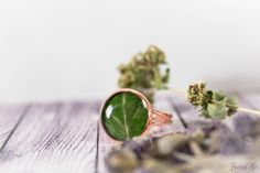 Forest green copper ring with real dried leaf. от FriendMeBijou