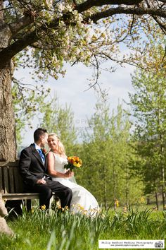 #Bride & #Groom in the #Spring at @OrchardleighHouse #Somerset #Blossom