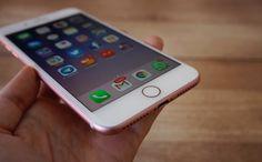 Probamos los nuevos iPhone 7 y iPhone 7 Plus   Con mejor rendimiento y una gran evolución en su apartado fotográfico los nuevos dispositivos móviles de Apple asombran y anticipan un cambio en la industria gracias a la eliminación de la clavija minijack para auriculares  Probamos el nuevo iPhone 7 plus en Videos  Más rápido que su predecesor. Con una cámara prominente y varias opciones interesantes. El diseño exterior de los nuevos terminales de Apple iPhone 7 y iPhone 7 Plus recuerda en…