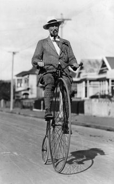 Phil Mansell on his penny farthing bicycle, 24th of April 1929.