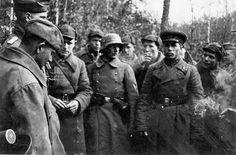 Spotkanie  sowieckich i niemieckich patroli w Lublinie, wrzesień 1939. Czyli braterstwo broni w pełnej krasie.