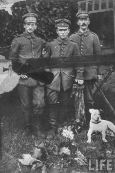 Volunteer  Hitler (right) as part of the 2nd Bavarian Infantry Regiment of Bavarian Army during the World War I, 1916 - Rare Photos of Adolf Hitler  Page 2 of 2  Best of Web Shrine