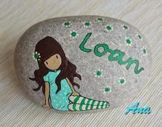 Realizo mis productos por encargo, tu escoges los colores y yo pongo mi creatividad....     Piedras personalizadas con tu nombre.   Piedras ...