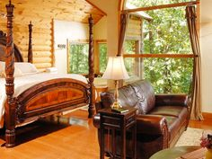 Can you believe this bedroom is inside a treehouse?!
