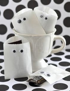 Paper Ghost Favor Bags by Craft-O-Maniac