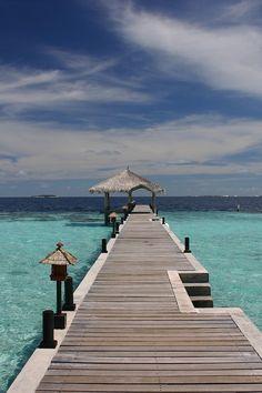 Maldives looks like heavan!  www.haisitu.ro #Maldives #travelideas #placestotravel #vacationideas #traveldestinations