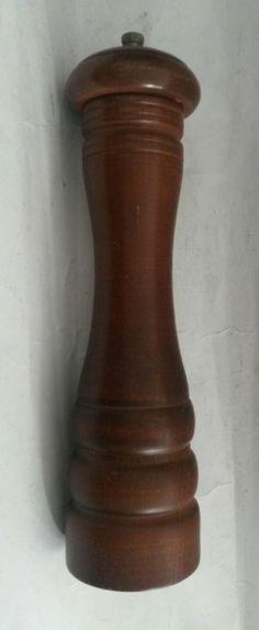 """Vintage Verity Southhall Wood 10.25"""" Pepper Grinder"""