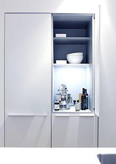 bulthaup - cuisine b3 - élément sur meuble avec porte escamotable