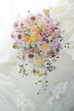 シャワーブーケ つきじ治作さまへ ホワイトラブ : 一会 ウエディングの花