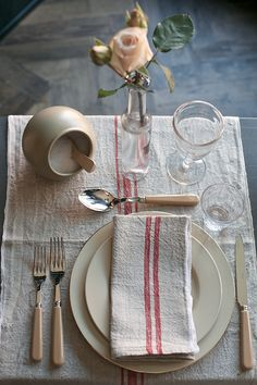How to create a Parisian-inspired table