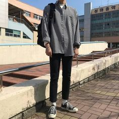 Korean Outfits, Retro Outfits, Grunge Outfits, Fashion Outfits, Fashion Styles, Korean Fashion Men, Ulzzang Fashion, Mens Fashion, Style Masculin