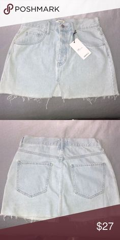 Forever 21 Denim skirt Light wash FOREVER 21 NEW mid-rise denim skirt  Forever 21 Skirts fedfcd631ce55