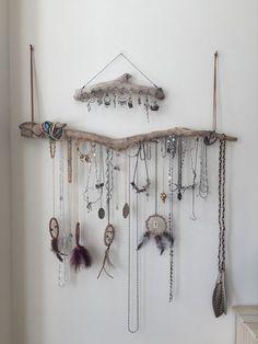 Set of 2 Driftwood Jewelry Organizer Necklace by Curiographer ähnliche tolle Projekte und Ideen wie im Bild vorgestellt findest du auch in unserem Magazin . Wir freuen uns auf deinen Besuch. Liebe Grüße