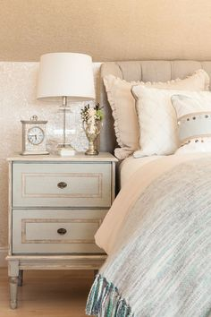 neutral color bedroom - love
