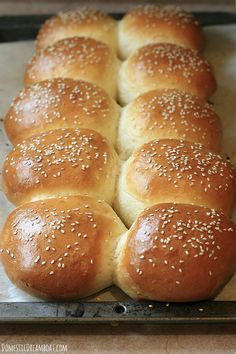 Homemade Hamburger Buns – How to make your own soft, fluffy buns. Making hamburger buns is easy if you plan ahead. If you're serving burgers at a barbecue, your guests will be impressed to learn you made them yourself! Homemade Hamburger Buns, Homemade Hamburgers, Homemade Bread Buns, Hamburger Buns Recipe Bread Machine, Homemade Rolls, Homemade Recipe, Bread Machine Recipes, Bread Recipes, Desert Recipes