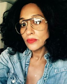 Ahhhhh, what a smart and gorgeous woman! Tracey Ellis, Tracee Ellis Ross, Aviator Glasses, How To Pose, Womens Glasses, Swagg, Black Girl Magic, Her Style, Style Icons