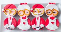 Mr. and Mrs. Claus Cupcakes