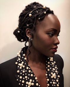 25 Stunning Holiday Party Styles for Natural Hair – Hair Ideas Protective Hairstyles For Natural Hair, Cool Braid Hairstyles, Top Hairstyles, Goddess Locs, Holiday Hairstyles, Summer Hairstyles, Afro, Curly Hair Styles, Natural Hair Styles