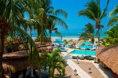 Vive un espacio de paz y #tranquilidad en #Karmairi #Cartagena Hotel Spa, Patio, Boutique, Mansions, House Styles, Outdoor Decor, Swiming Pool, Cartagena, Beach Club