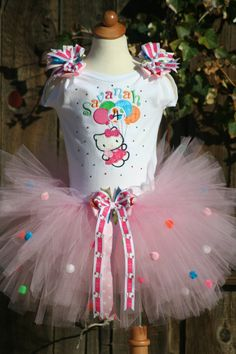 <3 hello kitty! prfct since kiley wants a hello kitty fourth b day party