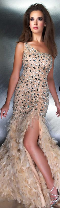 Mac Duggal couture dress. Looks like something MM would have worn.
