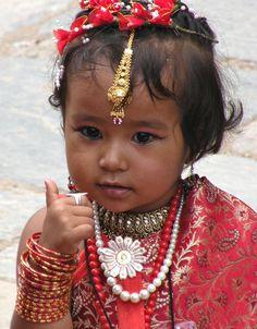 Little newari girl - Nepal Bhasa: नेवार) are the indigenous people of the Kathmandu Valley and its surrounding areas in Nepal. Kids Around The World, We Are The World, People Around The World, Around The Worlds, Precious Children, Beautiful Children, Beautiful Babies, Beautiful People, Cultures Du Monde