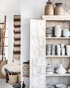 Vintage finds and handcrafted treasures ✨ Ethnic Decor, Boho Decor, Scandinavian Style, Cozy House, Bookcase, Shelves, Interior Design, Cutlery, Bohemian Style