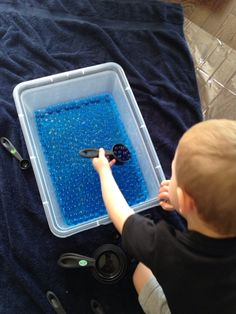 Marissa's Mommy Moments: Water Beads