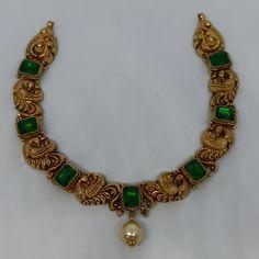 Beaded Jewelry Designs, Gold Jewellery Design, Necklace Designs, Emerald Necklace, Necklace Set, Gold Necklace, Tanishq Jewellery, Temple Jewellery, Antique Necklace