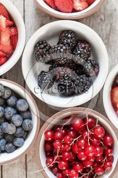 Closeup of bowls with #berry #fruits photographed from above: #blackberries, #blueberries and #redcurrant. #FOODPORTFOLIO #FOODPHOTOGRAPHY #FOODPHOTOGRAPHER #FOOD