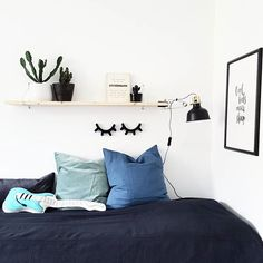 I've been working hard getting the house ready for a photoshoot today. Sadly I had to cancel since we're all sick. You'll find us under the covers😷 Happy Sunday! #charmingsunday @modernefunkishjem #cactus #boysroom #kidsroom #interior #interiør #kajastef @pictureit.no #pictureit #pillows #lagerhaushomie #kidsroominspo #childrensroom #playroom #coolkidsneversleep #myhome #barnrum #barnrumsinspo #barnerom #gutterom #shelfie #interiorinspo #bed #bedroom