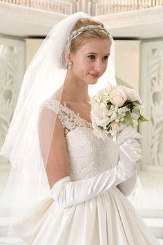 麗しい サテン A ライン ノースリーブ ベアトップ チャペル ファスナー 花嫁 二次会 ドレス ボウ付き Hly0067