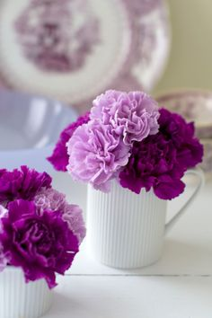 Don't Buy Flowers on the Wrong Day—Many retailers receive their shipments on Friday mornings (in preparation for the weekend rush) and Mondays (when they need to replenish stock), but you should get to know the clerk who stocks the flowers at your local supermarket or corner store, who can tell you the exact delivery days, says entertaining expert Matthew Mead. Double click for 7 Ways to Create a Gorgeous Bouquet with $10 or Less