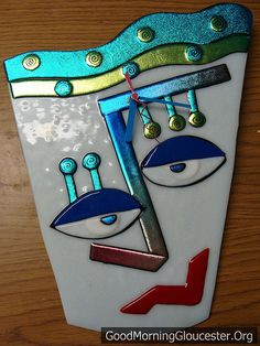 Create face with music symbols (quarter note down middle of face, etc)-- Susie Byrd Fisherman Fused Glass Art Clock Broken Glass Art, Shattered Glass, Sea Glass Art, My Glass, Stained Glass Art, Mosaic Glass, Wine Glass, Mosaic Mirrors, Mosaic Wall