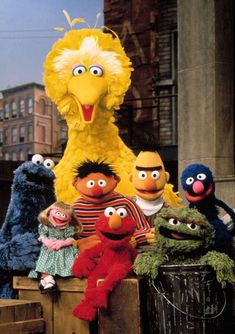New Study Shows Sesame Street Viewership Can Lead to Kids' Success in School and Work Drawing Cartoon Characters, Character Drawing, Die Muppets, Sesame Street Characters, Party Characters, Jim Henson, Big Bird, Elmo, My Childhood
