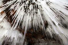 Ice caves Michigan   bensozia: Lake Superior's Ice Caves