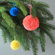 ] Yay it's Christmas. I wuve it. (I also may have been talking to too much lately, 'Wook Daddy!', bless 'im). Christmas Baubles, Christmas And New Year, Christmas Tree Decorations, Christmas Diy, Holiday Decor, Christmas Entryway, Christmas Stuff, Merry Christmas, Pom Pom Crafts