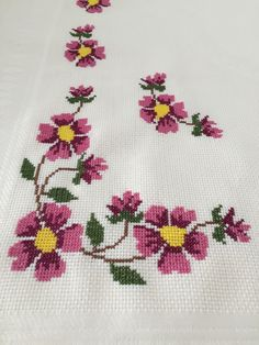 Hand Embroidery Designs, Cross Stitch Designs, Diy And Crafts, Bath Towels & Washcloths, Embroidered Towels, Herb, Cross Stitch Embroidery, Cross Stitch Kits, Cross Stitch Samplers